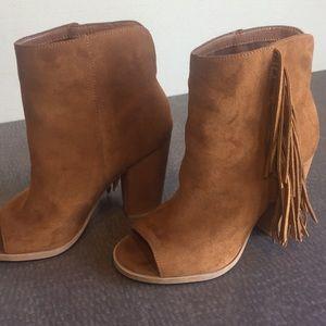 Dolce vita size 6 suede tan tassel peep toe boots